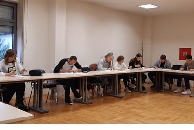 Održana edukacija o održivom razvoju na Grafičkom fakultetu u sklopu projekta Odrazi se znanjem – pokreni zajednicu